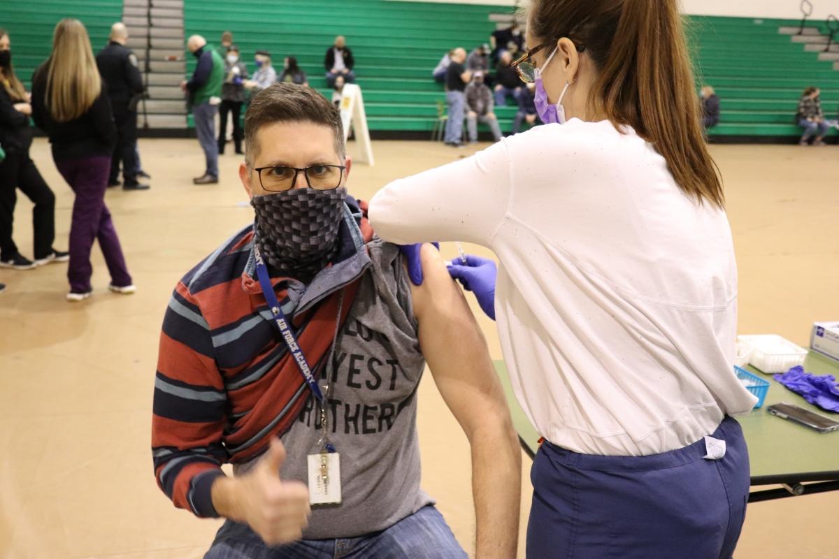 LM teacher gets COVID vaccine